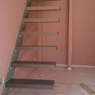 新たな挑戦~新築の階段~(一般住宅)