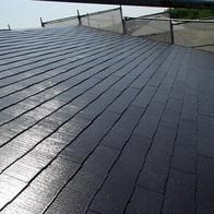 屋根はお家を守っております(アパート)