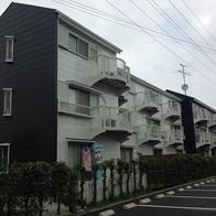 ホワイト&ブラック(アパート)
